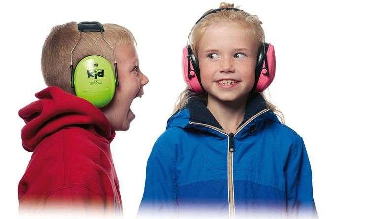 Deux Enfants Portant Des Casques Anti Bruit
